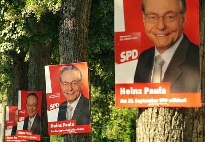 Wahlplakate - (c) DAZ