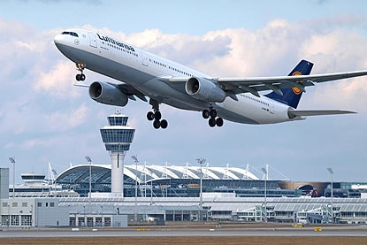 Flugzeugbau - Augsburg - Airbus-Auftrag macht Hoffnung für Beschäftigte in Augsburg