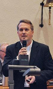 Souveränes Entertainment: Dr. Stefan Nixdorfs Ausführungen zu den Sichtlinien