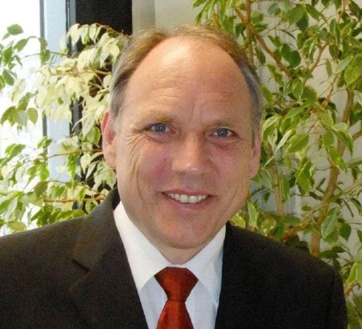 Dr.-Ing. <b>Albert Göttle</b> nach, der dem LfU seit August 2005 vorstand. - claus_kumutat