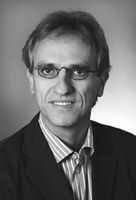 Der Politikwissenschaftler Prof. Dr. Christoph Weller.