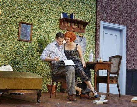 Clifford Bradshaw (Sebastian Baumgart) und Sally Bowles (Veronika Hörmann) – eine junge Liebe, die bald scheitern wird.