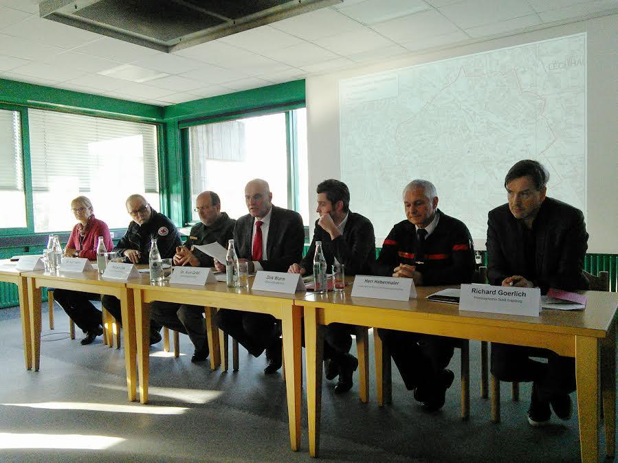 Krisenstab: Stefanie Rohde, Michael Gebler, Norbert Zink, Kurt Gribl, Dirk Wurm, Frank Habermaier, Richard Goerlich (v.l.) Foto: DAZ)