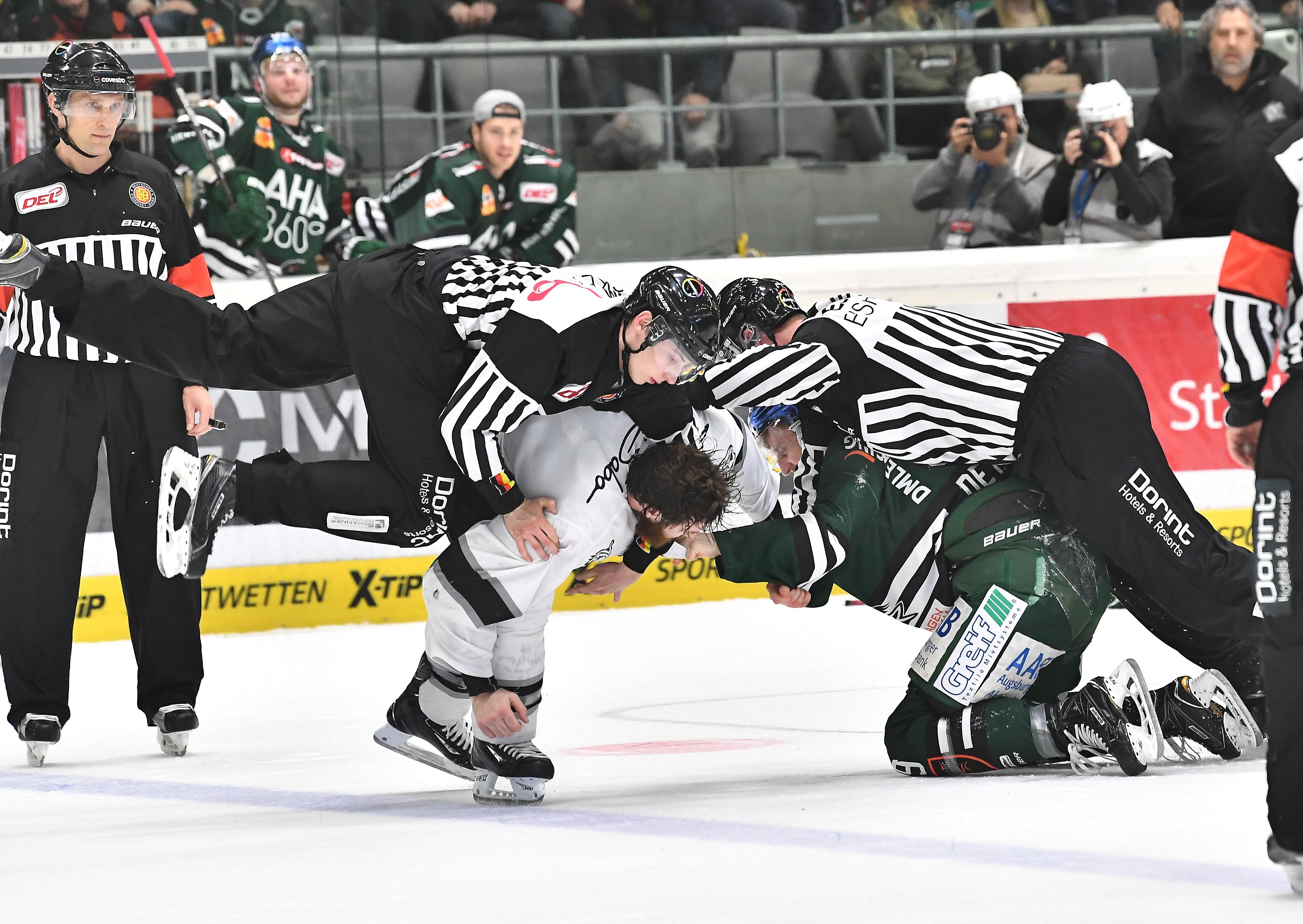 Ein Kampf auf Augenhöhe: Augsburger Panther - Nürnberg Ice Tigers (c) Siegfried Kerpf
