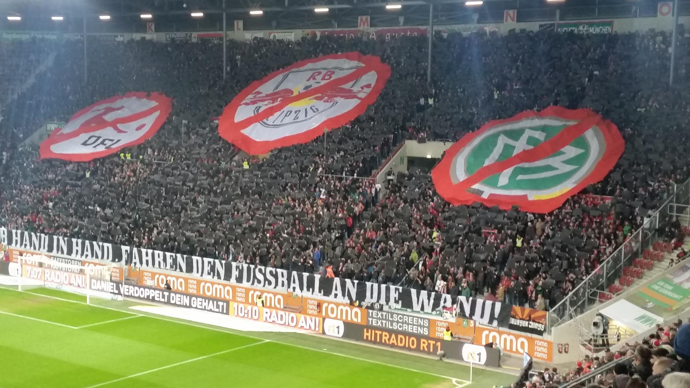 RB Leipzig als Systemfehler erkannt: Choreographie der Augsburger Ultras