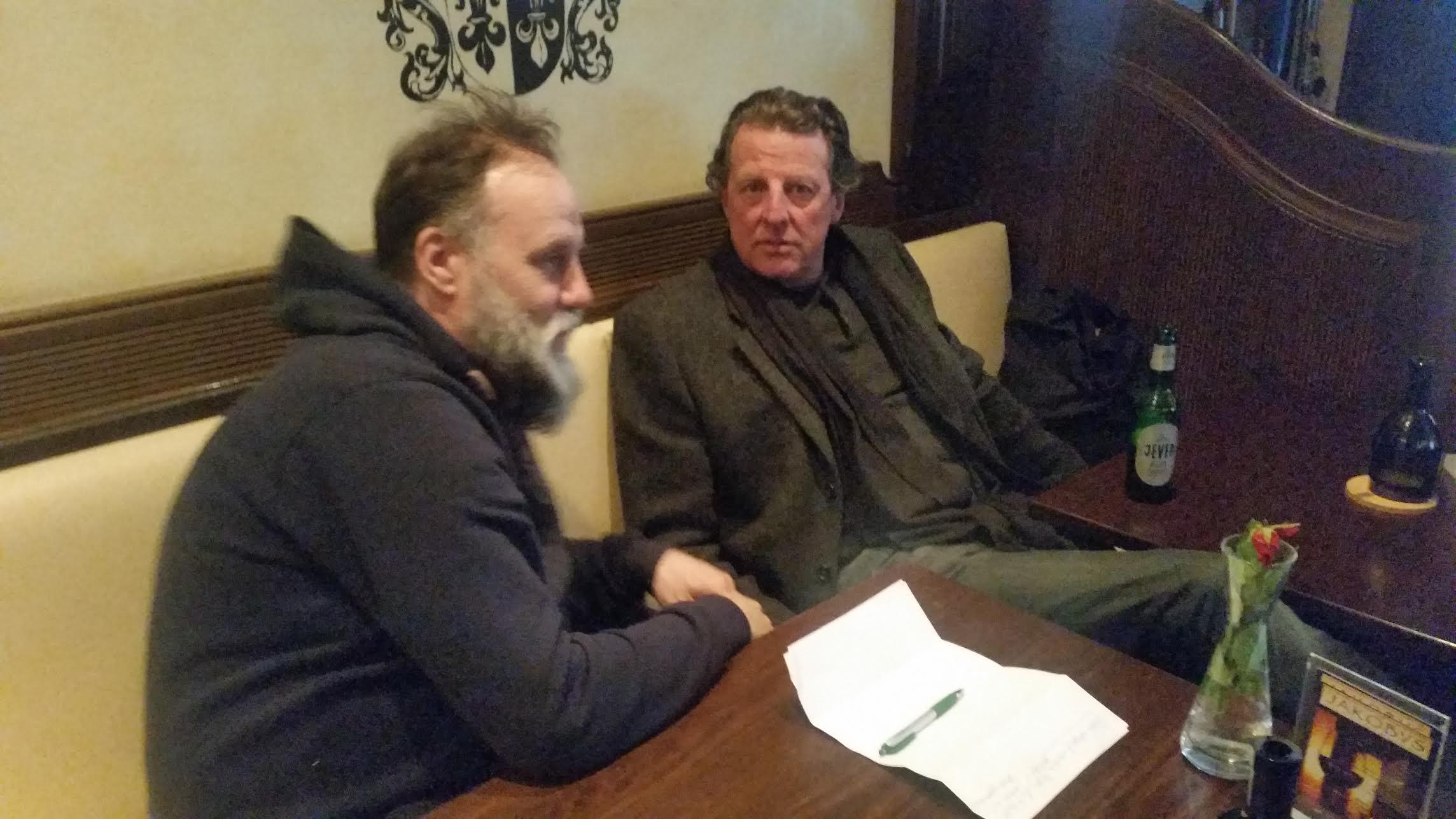 DAZ-Herausgeber Siegfried Zagler im Gespräch mit Volker Schafitel (l).