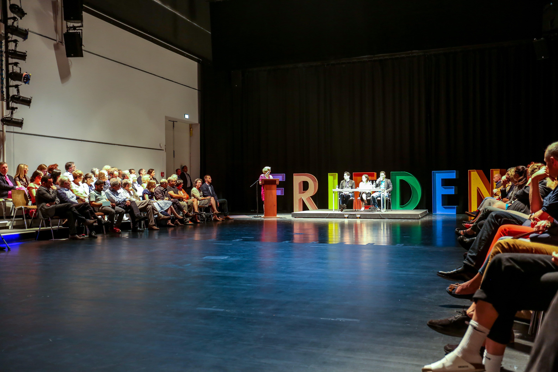 Schattenboxen auf der Brechtbühne (c) Chris Menkel