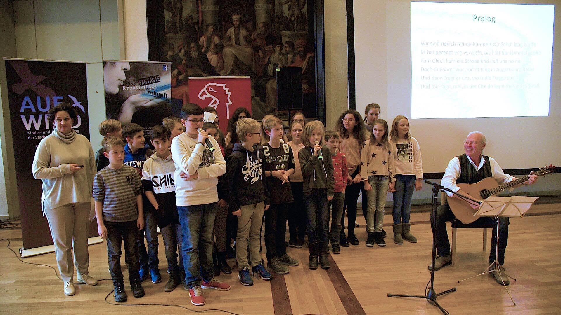 Klasse 6c des Maria Theresia Gymnasiums - Foto: Catinca Soptirean)