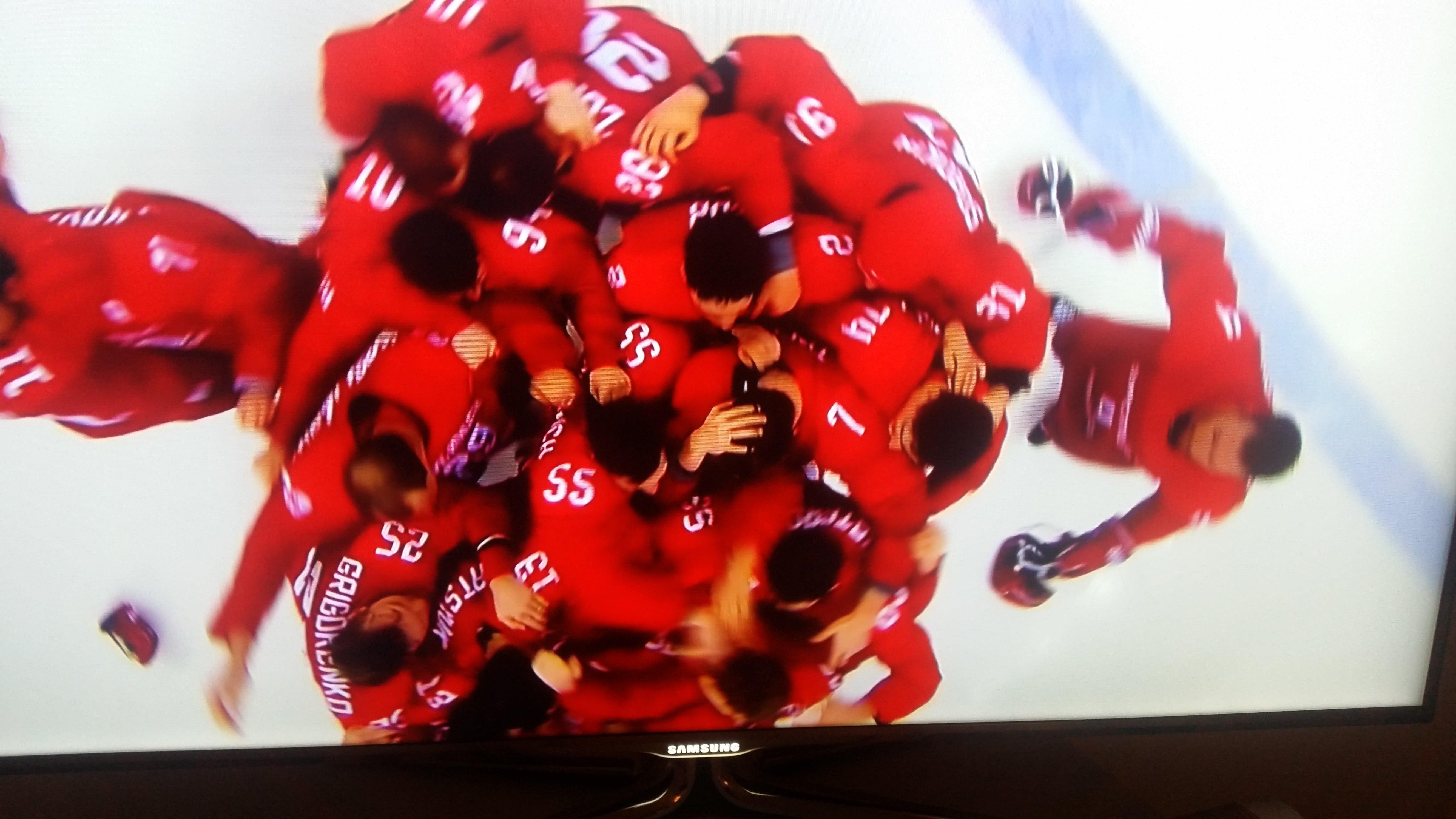 """Diesmal jubeln die anderen: """"Team from Russia"""" bezwingt in der Verlängerung eine deutsche Mannschaft, die mit Silber Sportgeschichte schrieb Foto (c) ZDF"""