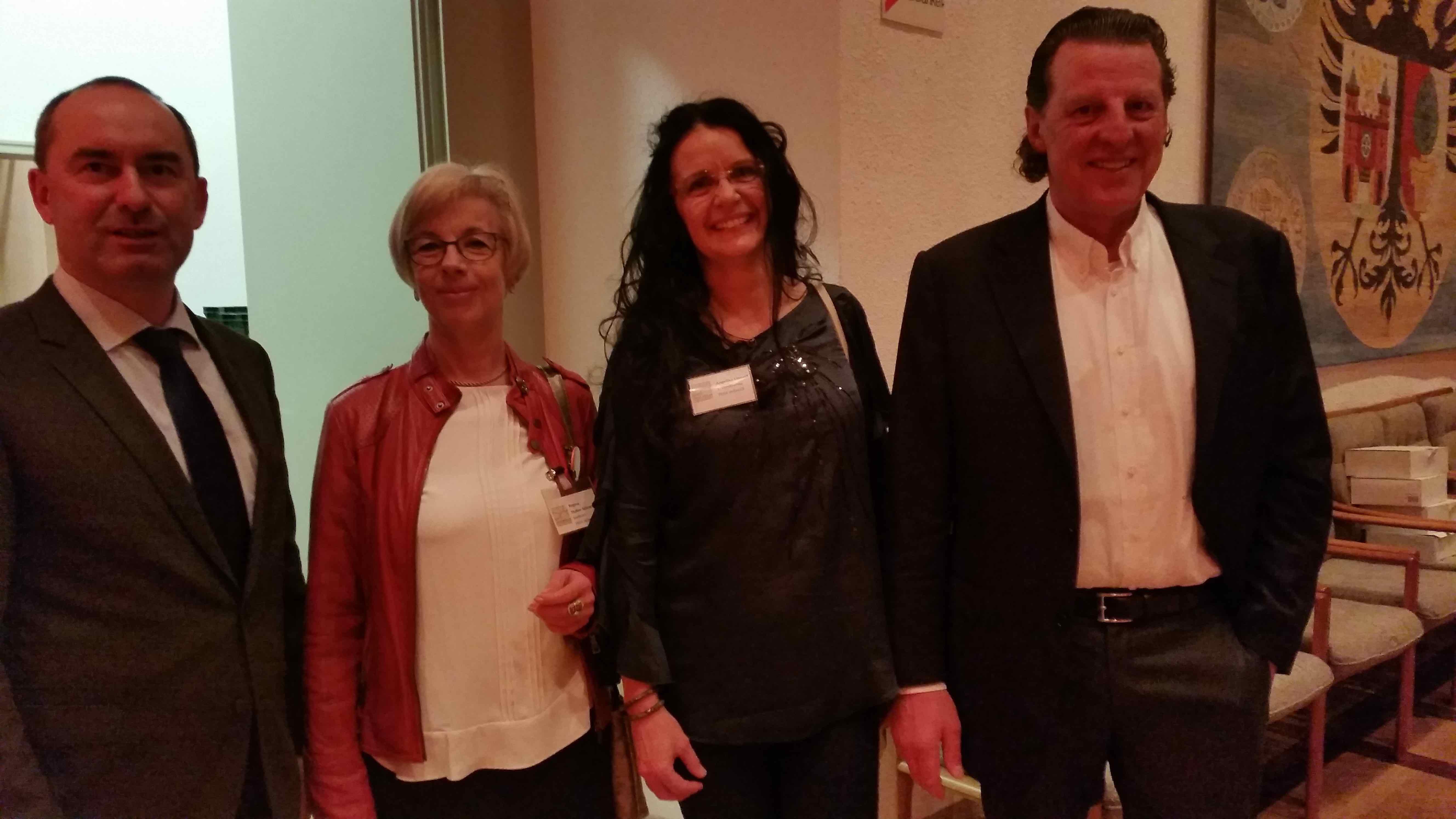 Hubert Aiwanger, Regina Stuber-Schneider, Angelika Lipp.ert, Volker Schafitel (v.l) Foto: (c) DAZ