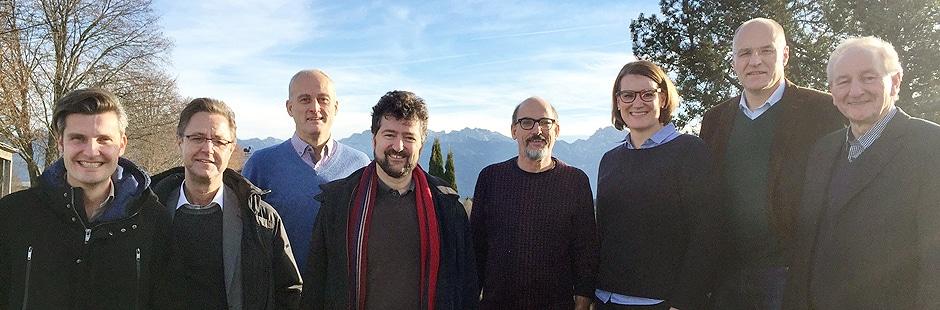 Stadtregierung mit Stefan Kiefer (4.v.l.) Foto (c) Richard Goerlich