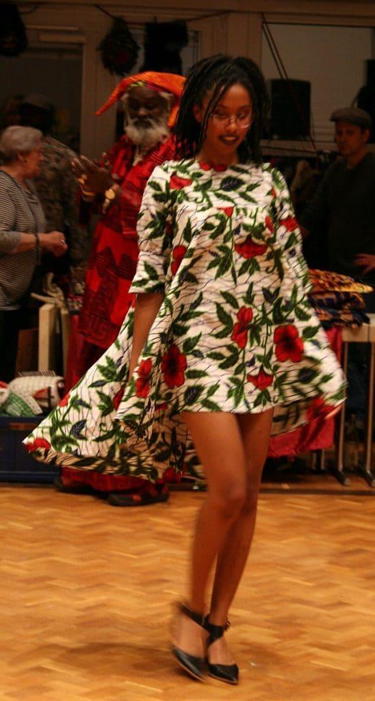 Catwalk mit Afrikanischer Mode © Silvia Hank